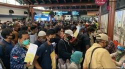 Viral Antrean Calon Penumpang di Bandara Soetta, Ini Penjelasan AP II