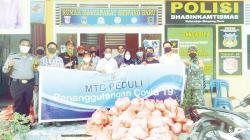 MTC Pekanbaru Bagikan 500 Paket Sembako