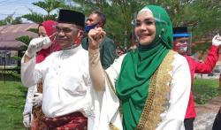 Kalah di Pilkada Bengkalis, Iyeth Bustami Balik Jakarta Lunasi 'Utang'