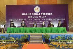 Wisuda Ke-19 Institut Bisnis dan Teknologi Pelita Indonesia