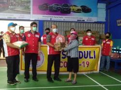 IKTS Bagikan 165 Paket Sembako dan Masker