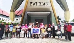 XL Axiata-PWI Riau Bagikan Sembako ke Masyarakat Terdampak Corona