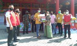Vihara Long Hong Kiong Peduli Warga Terdampak Covid-19