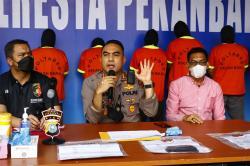Dokumen Swab PCR Palsu, 5 Orang Diringkus di Bandara SSK II Pekanbaru
