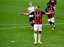 Borong Dua Gol Kemenangan AC Milan, Ibra Menolak Tua