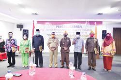DPD LVRI Riau Berikan Tanda Kehormatan kepada Enam Tokoh