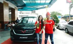 Vino Eriza Assaad, Host Eksklusif Roadshow ATKKM Bersama Wuling Finance