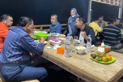 Mesra, Gubri dan Wagubri Dijamu Makan Malam di Villa Agro Wisata Buah