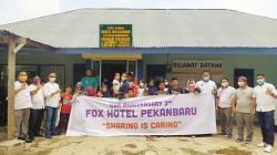 Anniversary Ke-3, Fox Hotel Berbagi dengan Anak Yatim