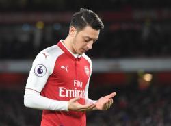 Dipermalukan Arsenal, Ozil Disarankan Pindah ke West Ham