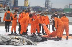 Sudah 40 Kantong Jenazah Korban Sriwijaya Air Terkumpul