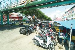 Parkir Depan STC Langgar Perda