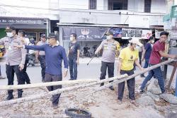 Warga Lockdown Lokal, Polisi Buka Akses Masuk