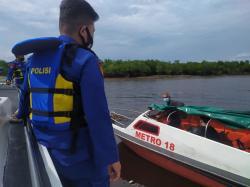 Penyekatan dan Patroli Gabungan di Perairan Meranti