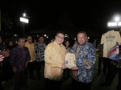 Airlangga Bertemu SBY Bahas Omnibus Law dan Pilkada 2020