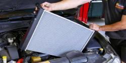 Rawat Radiator Mobil Anda Kalau Tak Mau Turun Mesin