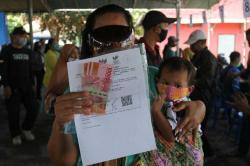 Bantuan Sosial Tunai Dihentikan Bulan Depan