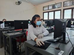 Gunakan Masker dan Sarung Tangan, UTBK SBMPTN Terapkan Protokol Kesehatan