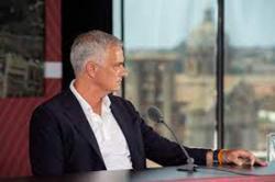 Mourinho Sarankan Kiper Inggris Bersikap Tenang