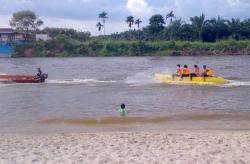 Mudik ke Sumbar Lewat Jalur Sungai Desa Tanjung, 3 Warga Duri Hilang