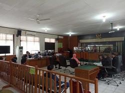 7 Saksi Sudutkan Yan Prana