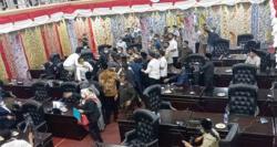 Sidang DPRD Kabupaten Solok Panas