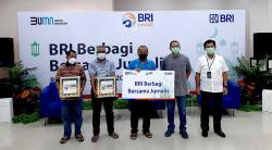 BRI Wilayah Pekanbaru Berbagi Bingkisan Idulfitri