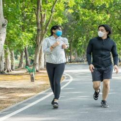 Ahli Ungkap Pakai Masker saat Olahraga Tidak Berbahaya