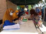 Pedagang dan Pembeli di Pasar Bawah Jalani Swab Tes