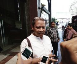 BBKSDA Riau Berikan Bantuan APD ke Parames RSUD Arifin Achmad