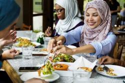Memilih Makanan Sehat untuk Buka Puasa dan Sahur