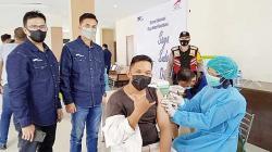 Astra Group Pekanbaru Gelar Vaksinasi Gotong Royong