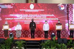 Riau Raih Penghargaan Kategori Pelayanan Prima Dari Kemenpan-RB