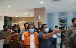 Berompi Oranye dan Diborgol, Sekdaprov Ditahan 20 Hari di Lapas Klas IIB