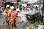 Mobil Terbakar saat Parkir