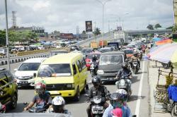 Warga Keluhkan Penutupan Jalan PSBB, karena Sebabkan Macet