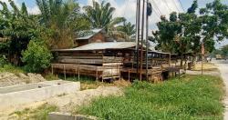Protes, Warga Tamarin Pertanyakan Pembangunan Drainase Terputus