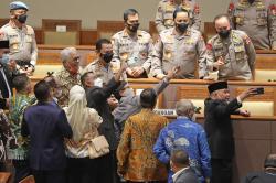 ETLE Didukung, Pam Swakarsa Dikritik