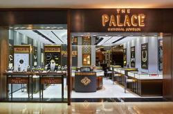 Kilau Perayaan, The Palace Jeweler Berbagi Perhiasan Berlian Gratis