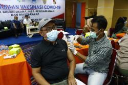Warga Senang Ikut Vaksinasi Massal Abujapi Riau-Riau Pos