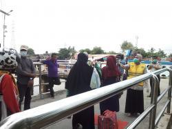 Dua Orang TKI Malaysia Tujuan Medan dan Pelalawan Diobservasi di Pelabuhan Sungai Duku