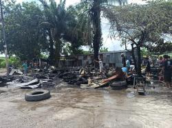 Siang-siang Warung Kopi dan Bengkel di Arengka Ludes Terbakar