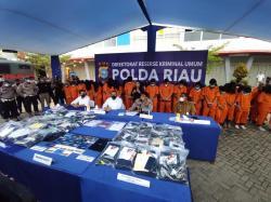 Di Pekanbaru, 59 Pekerja Judi Online Ditangkap, 49 di Antaranya Wanita