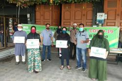 PT Pegadaian Beri Sembako kepada Nasabah Kurang Mampu