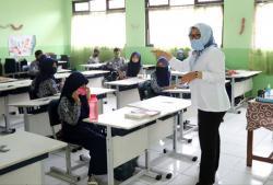 Kemendagri Minta Kepala Daerah Awasi Pembukaan Sekolah di Zona Kuning