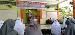 Sambut Ramadhan, Al Izhar School Gelar Taklim