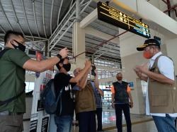 Pemerintah Izinkan Masyarakat U-45 Kembali Beraktivitas