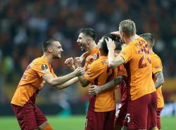 Galatasaray Kalahkan Lazio Lewat Bunuh Diri Thomas Strakosha