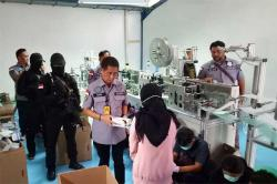 Pabrik Masker Palsu Cilincing Digrebek Polisi