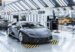 Lamborghini Stop Produksi, Ferrari Jalan Terus